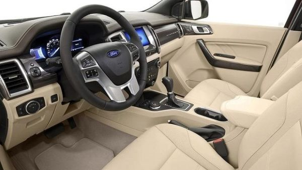 2015 - Ford Endeavour Interior
