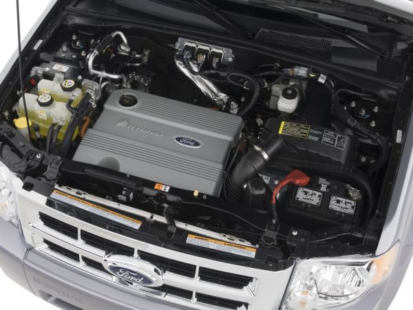2015 - Ford Escape Hybrid Engine
