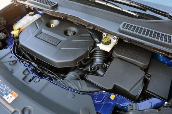 2015 Ford Escape Titanium Engine