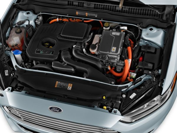 2015 Ford Fusion Energi Engine