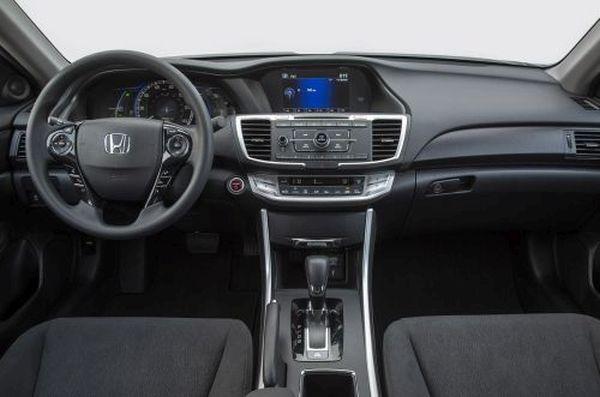 2015- Ford Fusion Hybrid interior