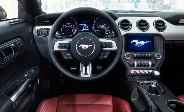 2015 - Ford GT Interior