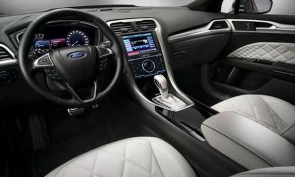 2015 Ford Mondeo Hybrid Interior