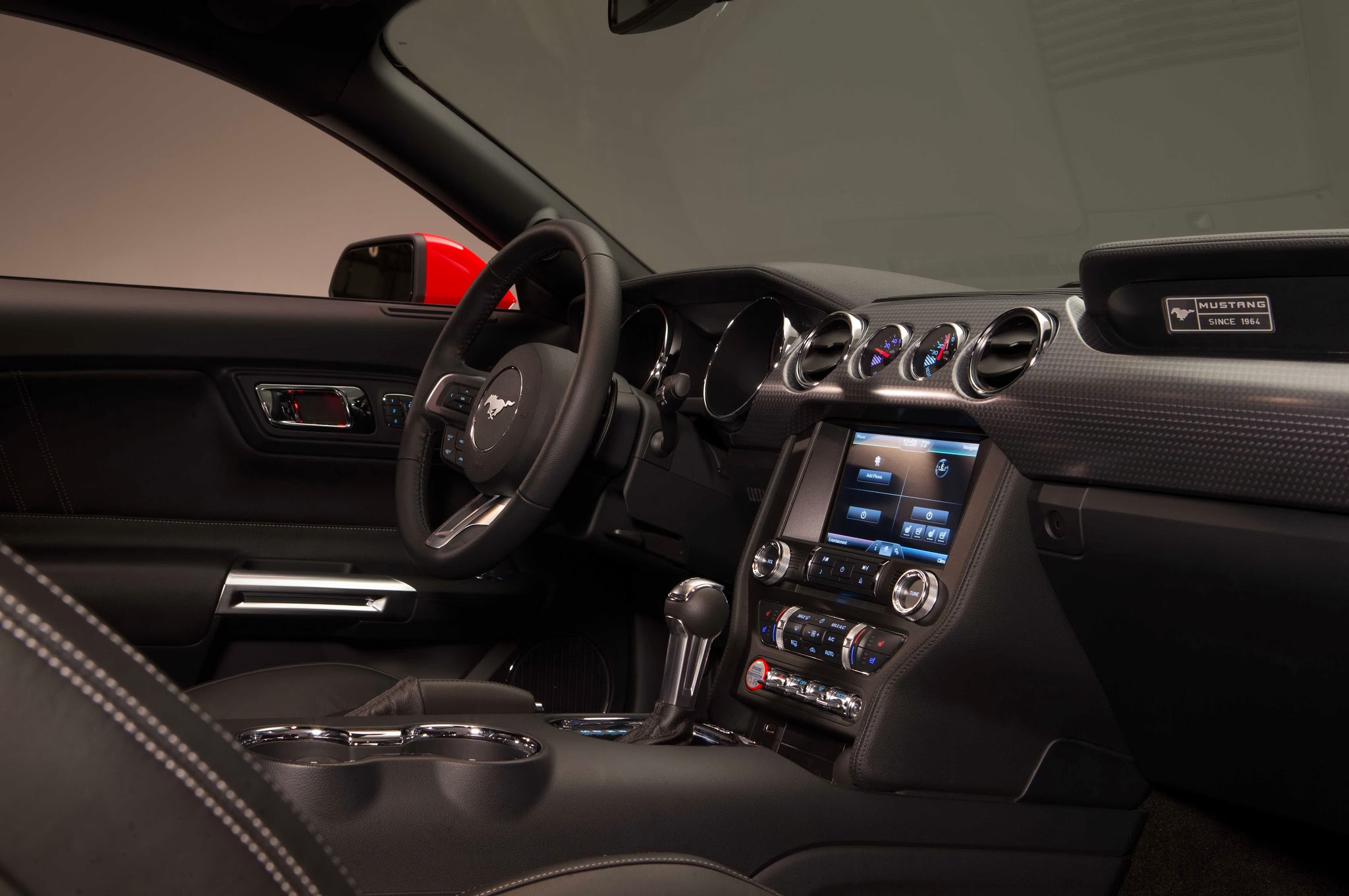 2015 ford mustang gt premium everything that matters is here ford reviews for 2015 mustang interior dimensions