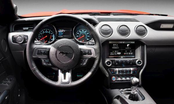 2015 - Ford Mustang V6 Interior