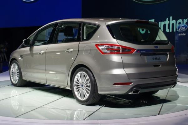 2015 - Ford S-MAX Rear View