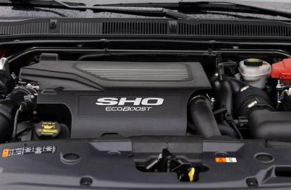 Ford Taurus SHO 2015  Engine