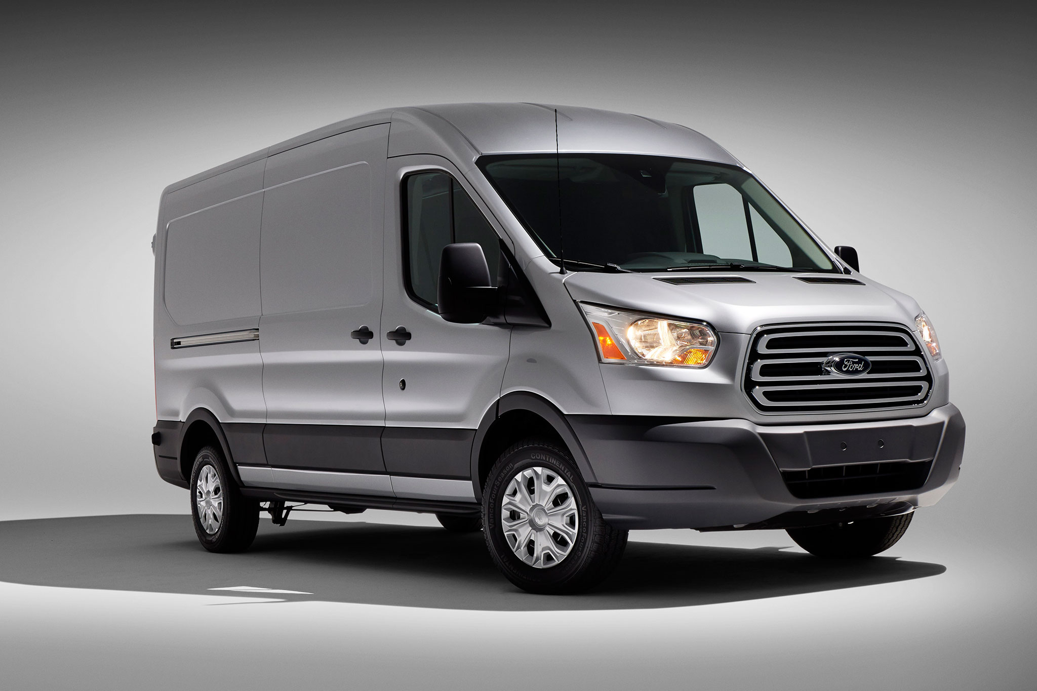 2015 ford transit great choice for affordable passenger. Black Bedroom Furniture Sets. Home Design Ideas
