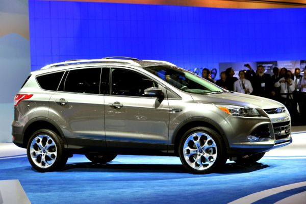 2016 ford escape hybrid review price release date. Black Bedroom Furniture Sets. Home Design Ideas