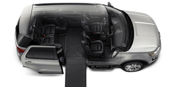 2016 Ford Explorer Braunability MXV - Interior