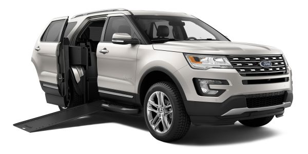 2016 Ford Explorer Braunability MXV - Side View 2