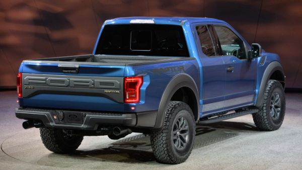 Ford F-150 Raptor 2016  Rear View