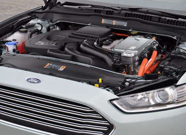2016 - Ford Fusion Energi  Engine