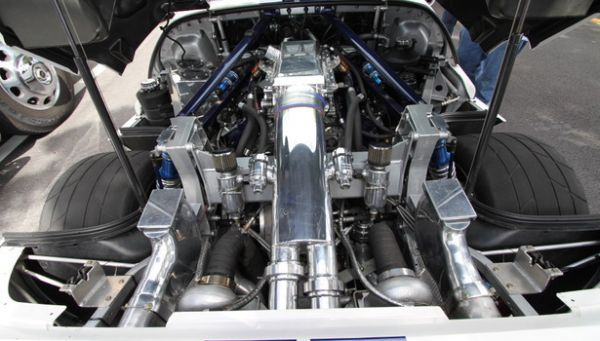 2016 - Ford GT Supercar  Engine