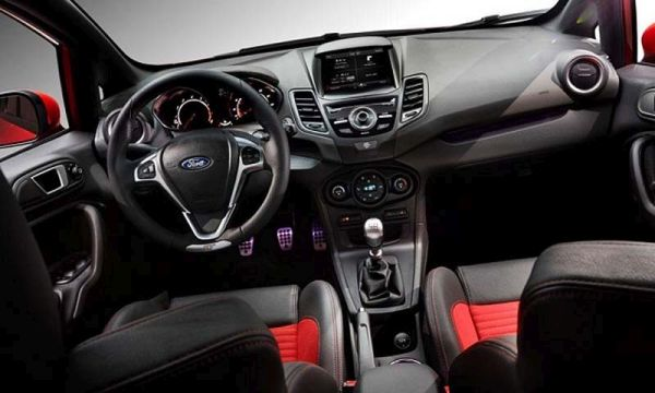 2016 - Ford Focus Hatchback Interior