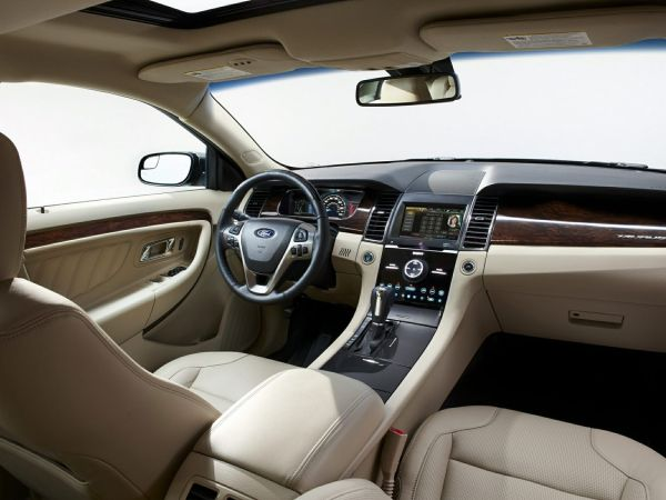2016 Ford Taurus - Interior