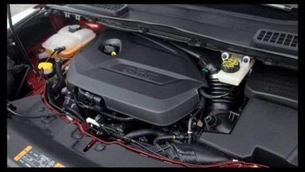 2017 Ford Escape Sport - Engine