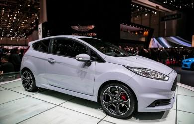 2017-Ford-Fiesta-S200-1