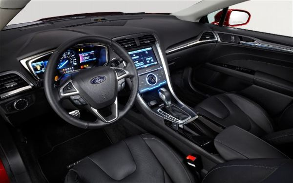 2017 - Ford Fusion Energi Interior