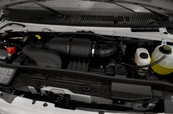 Ford E-350 Super Duty 2015 - Engine
