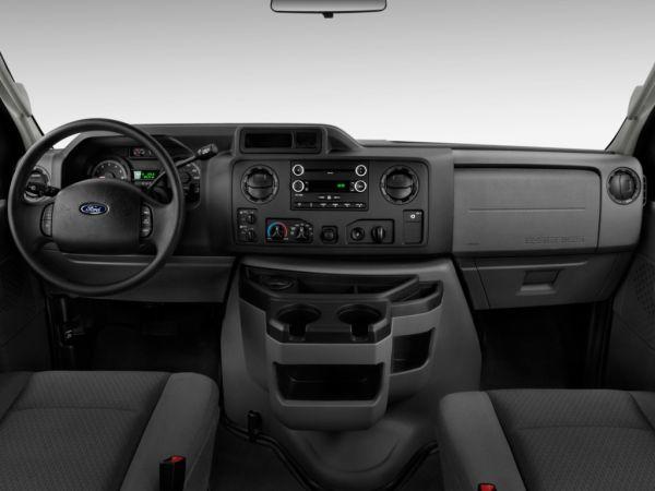 Ford E-350 Super Duty 2015 - Interior