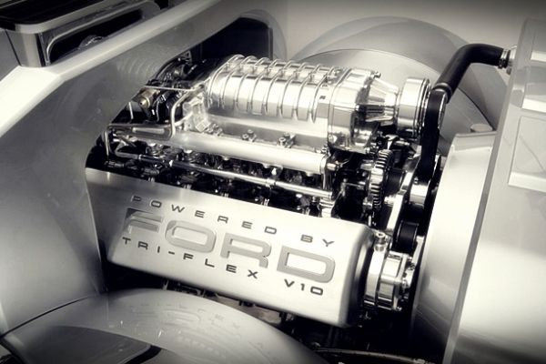 Ford F-250 Engine - 2016