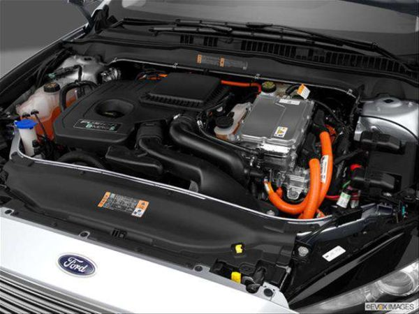 Ford Fusion Hybrid 2017 - Engine