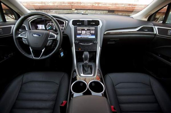 Ford Fusion Hybrid SE 2015-Interior