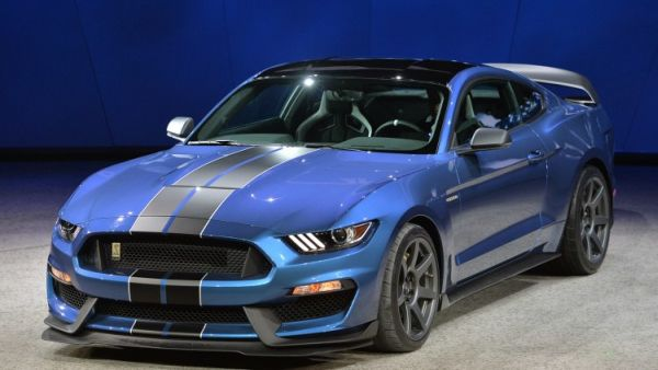 Ford Shelby GT350 2015