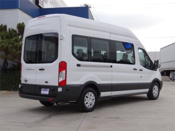 Ford Transit-350 2015 - Rear View