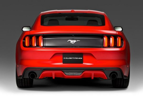 Rear View of 2015 - Ford Mustang V6
