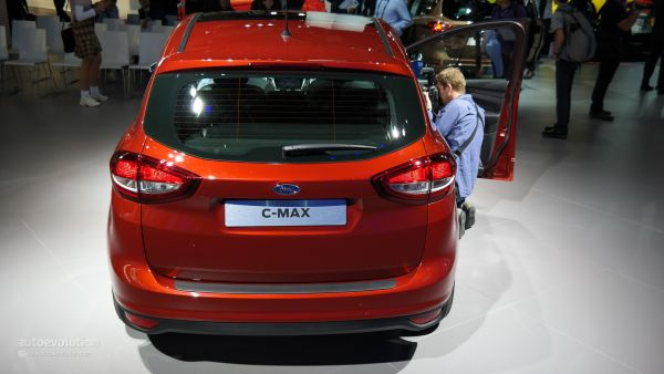 Rear View of  Ford C-Max 2016