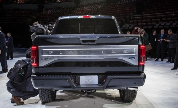Rear View of 2016 Ford F-150