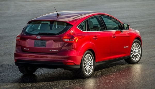 Rear View of 2016 Ford Focus