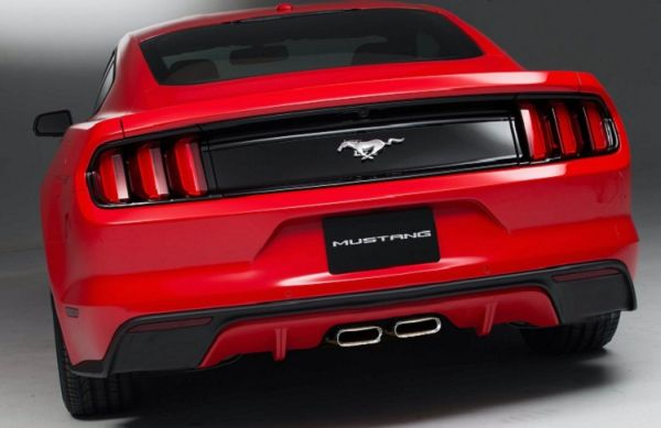 Rear View of 2017 Ford Mustang